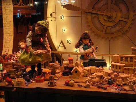 Santa S Workshop Wallpaper Animated - 17 best images about santa s dollhouse and elves workshop