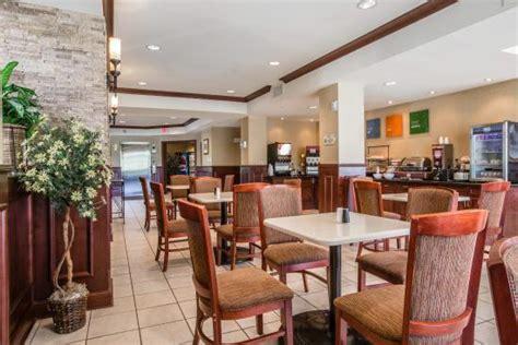 comfort inn goshen ny comfort inn suites goshen middletown 79 1 0 0