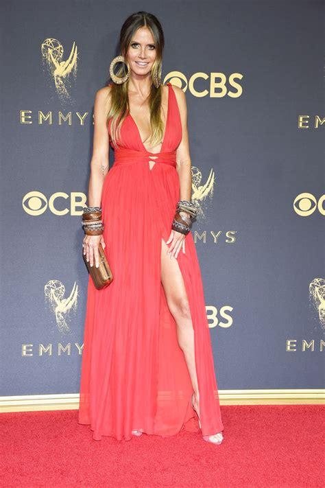Emmy Awards 2017 Heidi Klum Risks Wardrobe Malfunction In