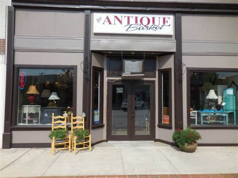 charming towns  alabama    antiques
