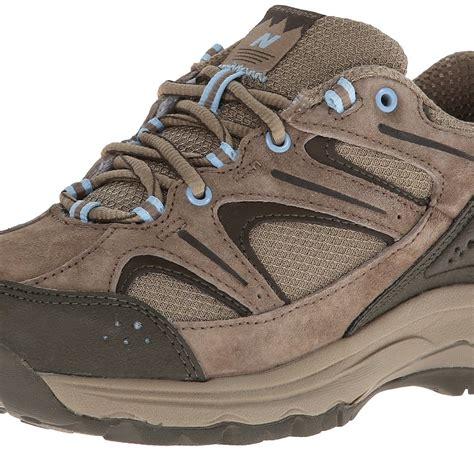 balance walking country shoe brown heels very