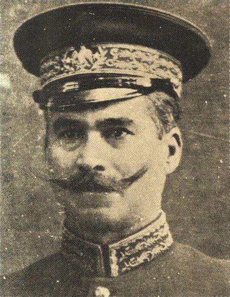 1900 9