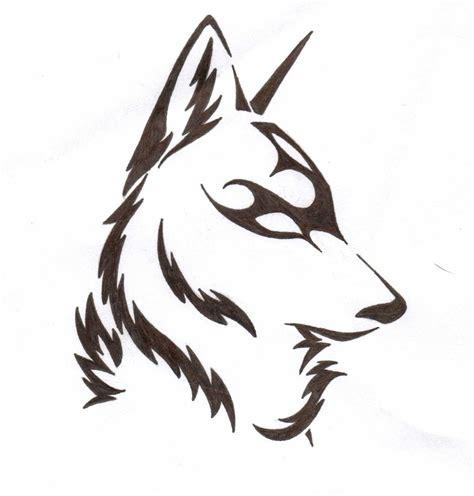 tribal wolf head howling