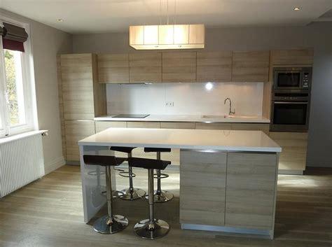 ot central de cuisine cuisine équipée moderne avec ilot central cuisine en image
