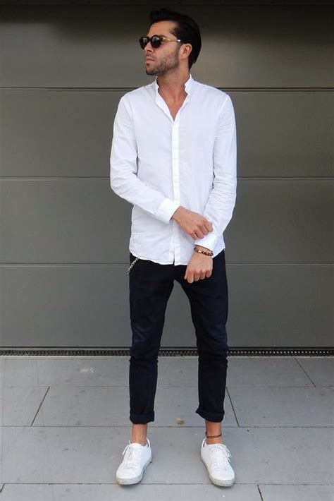 Picture Black Cropped Jeans White Shirt