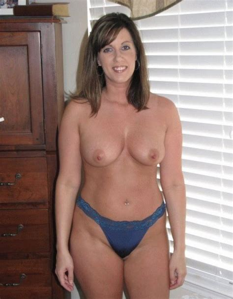 Natural Looking Milf