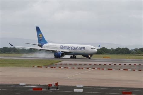 Video and pictures: Engine failure on Thomas Cook flight ...