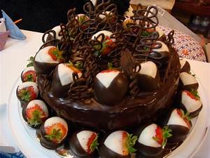 Chocolate Birthday Cake Images and Photo | Birthday Cakes ...