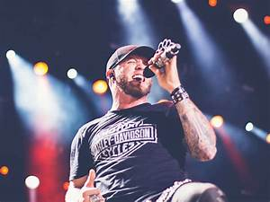 """Brantley Gilbert Steps """"Outside the Box"""" With New Album ..."""