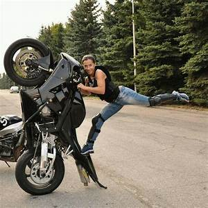 women and stunt bikes - Google Search | Ladies Sport Bikes ...