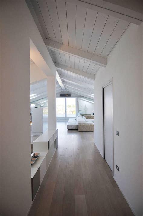 travi soffitto finto legno trave di legno una scelta diversa per rinnovare la casa