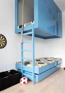 hochbett sofa das hochbett ein traumbett für kinder und erwachsene archzine net