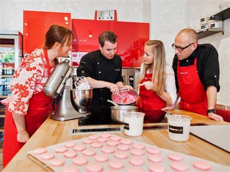 cours de cuisine di騁騁ique cours de p 226 tisserie 224 lisieux en normandie tourisme calvados
