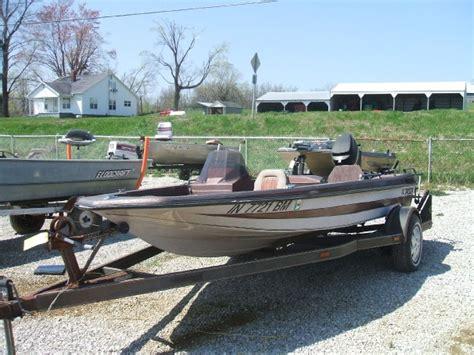 Jason Bass Boat by 1987 Jason 150 Bass Boats