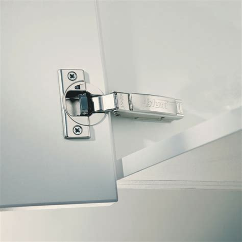best hinges for kitchen cabinets blum 71b9590 clip top blumotion 95 176 inserta hinge siggia 7707