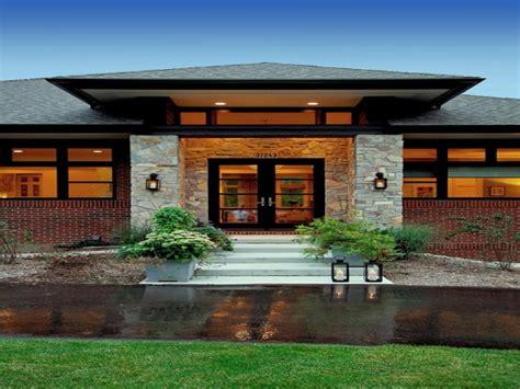 prairie style homes prairie style exterior doors contemporary craftsman style homes contemporary prairie style