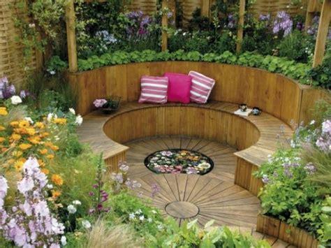Sitzecke Garten Holzsitzecke Im Garten Relax Im Grnen