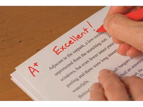 teachers spend  hours  week marking  lack  evidence   works