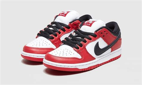 """Nike SB Dunk Low """"Chicago"""": Official Images & Rumored Info"""