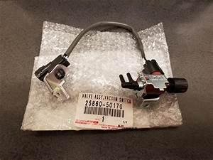 2007 Toyota 4runner Valve Assy  Vacuum Switching
