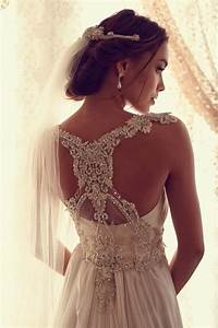 Detail at the back of your wedding dress styleuphoria for Back detail wedding dress