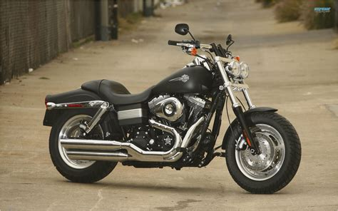 Review Harley Davidson Bob by 2009 Harley Davidson Fxdf Dyna Bob Motorcycle Review