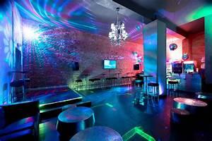 Bar Mit Tanzfläche Berlin : partylocation f r bis zu 80 personen in tiergarten charlottenburg ~ Markanthonyermac.com Haus und Dekorationen