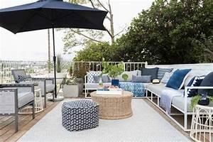 le tapis exterieur la touche deco pour des espaces With tapis exterieur avec canapé chesterfield blanc
