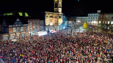 weekend picks derby christmas lights switch on central