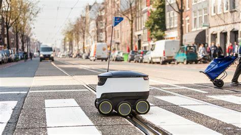 dominos wil pizzas gaan bezorgen met robots het parool