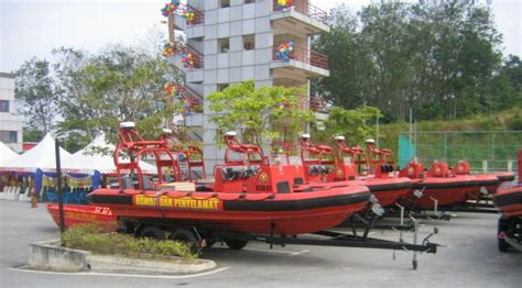 Boat Engine Malaysia by Engines Photos Picture Of Malaysia Rescue Boats