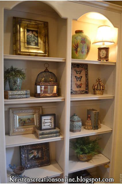 Decorating Ideas Bookshelves by Best 25 Arranging Bookshelves Ideas On