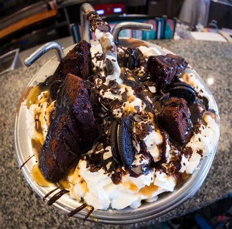 the kitchen sink disney chocolate lover s kitchen sink at beaches disney