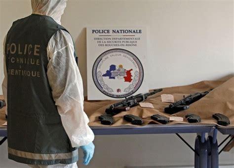 siege croix bernard cazeneuve lance plan contre le trafic d armes