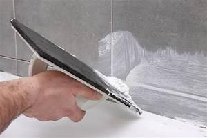 Joint De Carrelage Sol : comment faire un joint de carrelage les tapes et conseils ~ Dode.kayakingforconservation.com Idées de Décoration