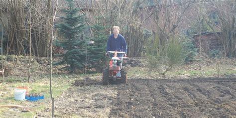 Garten Im Herbst Oder Frühjahr Umgraben by Erste Bodenbearbeitung Im Fr 252 Hjahr 171 Wir Sind Im Garten