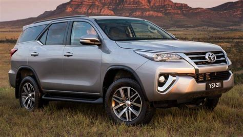 Review Toyota Fortuner by 2015 Toyota Fortuner Review Drive Carsguide