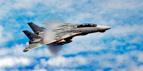 Why The F14 Tomcat Is One Of The Greatest Fighter Jets Of All Time  Business Insider