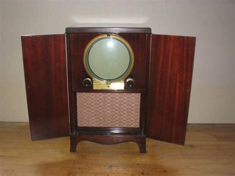 Bob's Antique Tv's-1950 12 Inch Porthole Front View Singapore Antique Flea Market Omega Watches Uk Round Top Texas Fair 2016 Tractor Shows In Michigan Westside Antiques Atlanta Ga How To Paint Furniture Look Black Oak Dining Room Hutch Rolex Repair