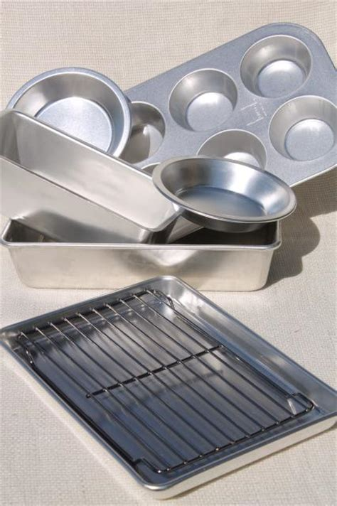 mint  box vintage mirro aluminum baking pans small sized cookware   toaster oven
