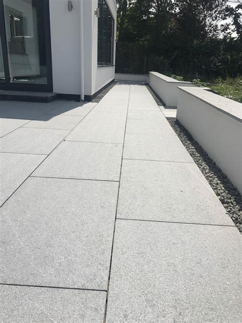Flamed Silver Grey Granite Paving 600 X 300 X 20mm