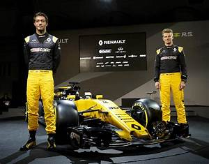 F1 Renault 2017 : renault f1 car launch first pictures as new 2017 model unveiled f1 sport ~ Maxctalentgroup.com Avis de Voitures