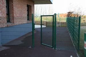 Grillage 1m50 Brico Depot : portillon jardin stunning portillon de jardin metal vert ~ Melissatoandfro.com Idées de Décoration