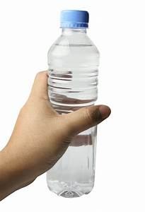 Hand With Water Bottle PNG Transparent Image - PngPix