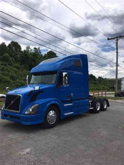 volvo 2013 truck volvo volvo 670 2013 sleeper semi trucks