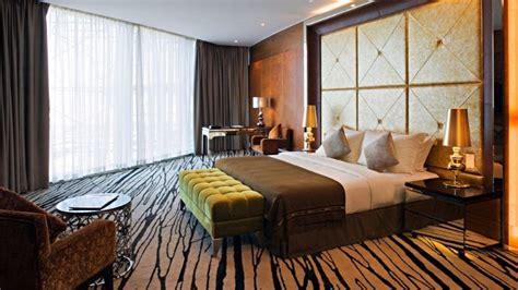 10 Sumptuous Luxury Hotel Room Designs