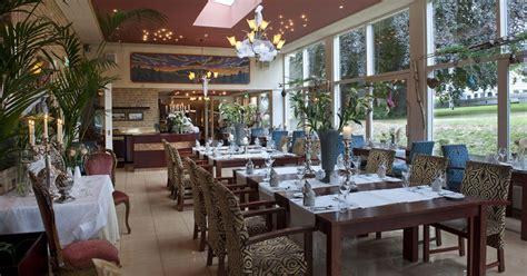 Grand Hotel Monopole  Restaurant En Zalen. Digby Pines Golf Resort. Hotel Villa Rizzo Resort And Spa. The Residence Tunis. JaZ AlmaZa Beach Resort. Vivatel Kuala Lumpur. Villa Darakorn. Big Five Motel. Hilton London Canary Wharf Hotel