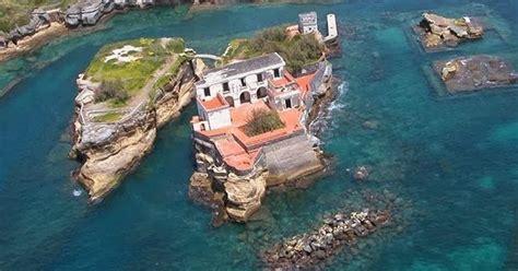 Gaiola Island Naples Italy Most Amazing And Beautiful
