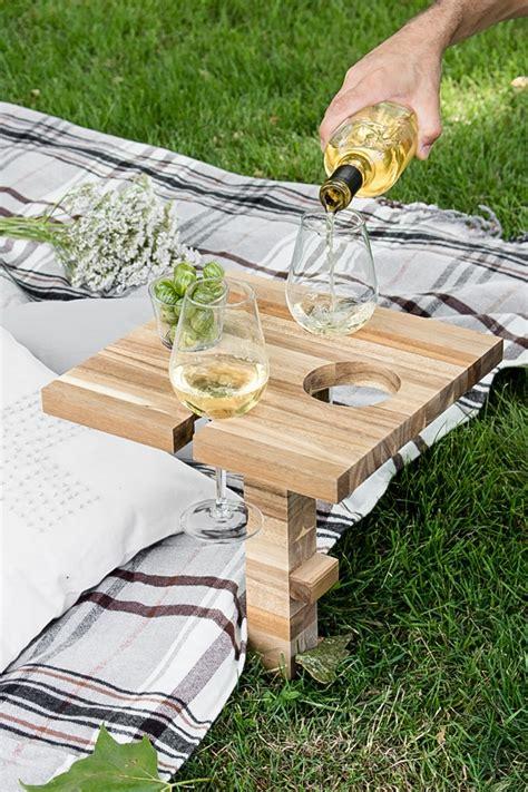 Wein Holz by Picknicktisch Weinhalter Schneidebrett Ikea Hack