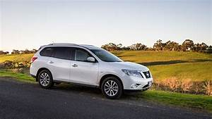 2016 Nissan Pathfinder ST AWD Review | CarAdvice